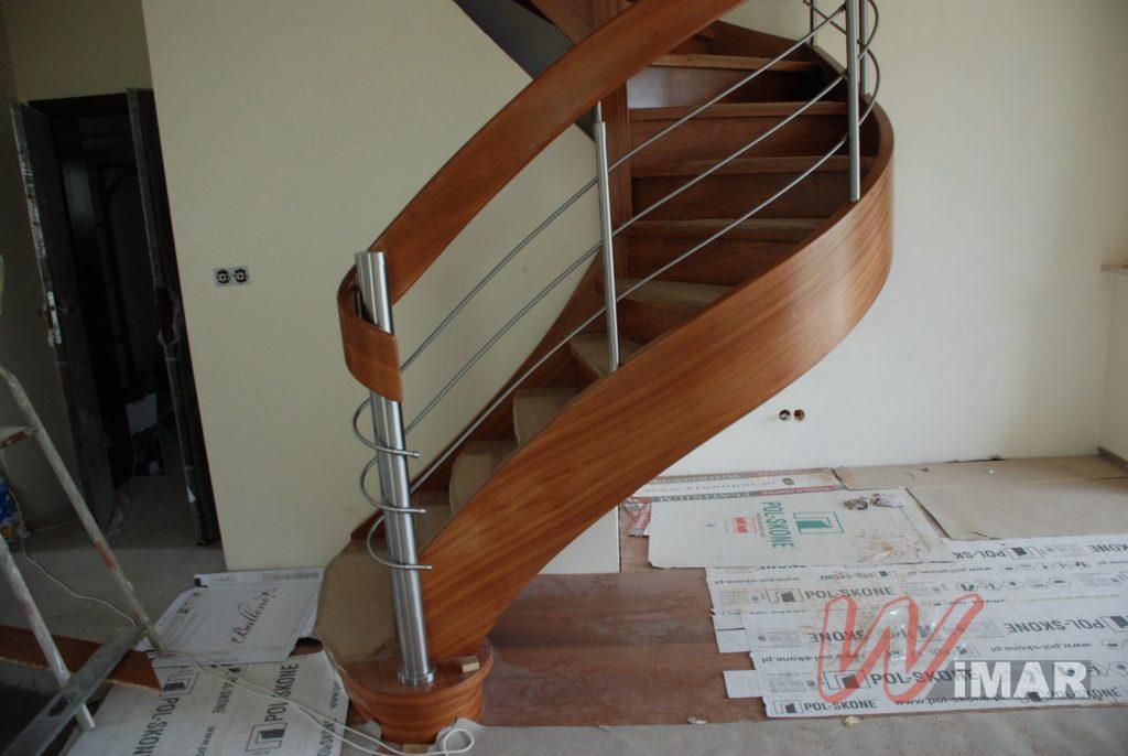Wypełnienie balustrady drewnianej
